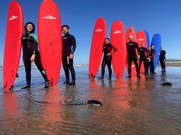 Group Surfing lesson, level: Beginner and Intermediate